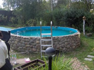 строить бассейн на улице